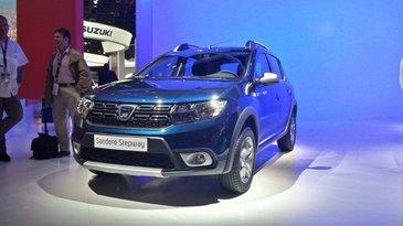 Dacia si-a prezentat noile modele la Salonul Auto de la Paris! Designul frontal a fost revolutionat, iar luminile de zi vor folosi tehnologia LED!