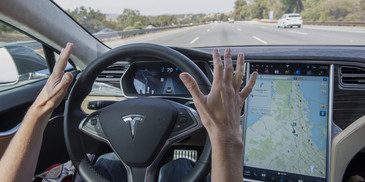 Avertismentul Germaniei care vizeaza toti soferii automobilelor Tesla. La ce trebuie sa fie extrem de atenti atunci cand conduc o astfel de masina