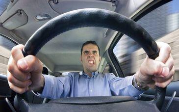 Care sunt cele mai frecvente greseli pe care romanii le fac la volan. Specialistii atrag atentia ca acest comportament poate avea consecinte extrem de grave
