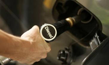 Merkel: Germania va trebui la un moment dat sa interzica automobilele diesel, dupa modelul altor tari europene