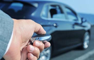 Cea mai noua tehnologie BMW – Masina fara cheie.  Iata cum deschizi masina!