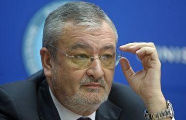 Fostul ministru de Finante Sebastian Vladescu, salariu de 7.000 de euro si prime anuale de 500.000 de euro! Compania de stat de unde a incasat banii este acum in insolventa