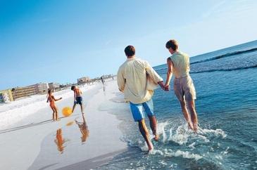 Ministrul Turismului: Voucherele de vacanta trebuie acordate in perioada 1 iulie 2017 - 30 noiembrie 2018