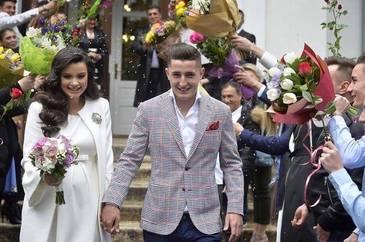 Dinamovistul Steliano Filip s-a insurat! Uite ce frumos s-a imbracat sotia lui la eveniment!