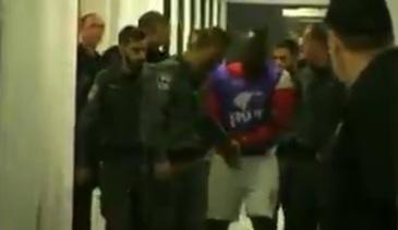 Politistii au intrat si l-au arestat din vestiar. Un fost jucator al Petrolului, dus de urgenta in arest. Ce s-a intamplat