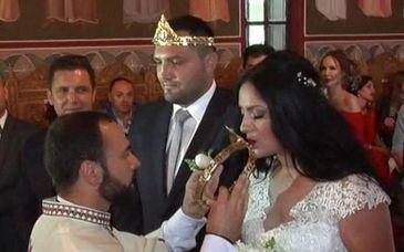 """Boxerul Cristian Ciocan s-a casatorit cu iubita lui, la biserica din comuna Pechea: """"E mai usor in ring, decat sa te casatoresti"""""""