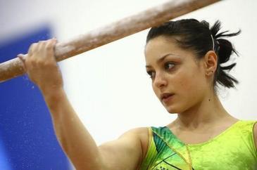 De la gimnastica de performanta, la frizerie! Dupa ce medicul i-a spus ca risca sa paralizeze, Anamaria Tamirjan a renuntat la sport! Ce face acum fosta campioana VIDEO EXCLUSIV