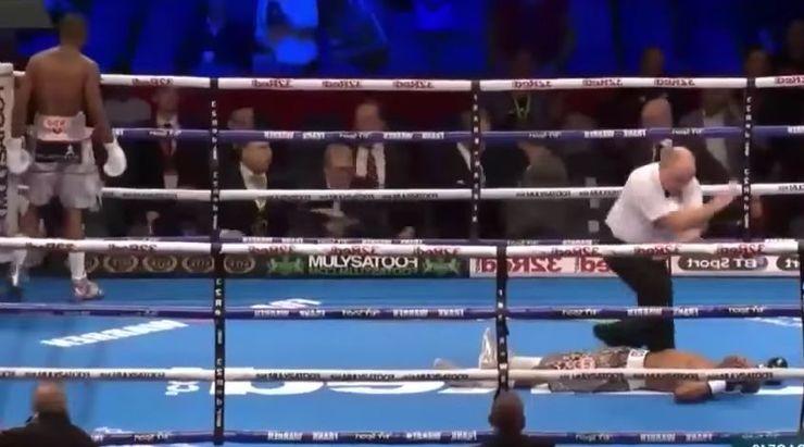 Cel mai rapid KO din istorie: Zolani Tete a castigat titlul mondial dupa 11 secunde - VIDEO