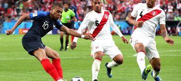 Franta s-a calificat in optimile de finala ale Cupei Mondiale