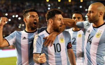 "Campionatul Mondial de fotbal 2018. Bataie in lotul Argentinei: ""Mascherano a replicat: «Ce vrei, copile? Te joci cu focul». Atunci Pavon i-a tras una!"""