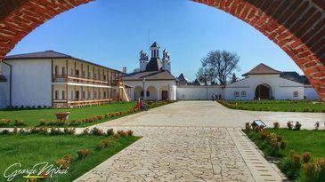 Raiul evadarilor e la cativa kilometri de haosul din Bucuresti. Palatul Domnesc de la Potlogi e locul unde sa-ti odihnesti mintea si trupul. Ati fost aici?