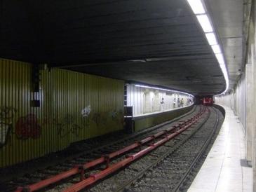 S-a sinucis din cauza depresei! Autoritatile au ramas uimite cand au aflat cine este tanarul care duminica s-a aruncat in fata metroului