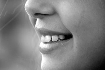 Mituri spulberate: Aparatele dentare nu sunt numai pentru copii si adolescenti