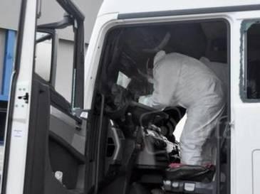 Un sofer roman de TIR a fost gasit mort in cabina, intr-o parcare din Italia