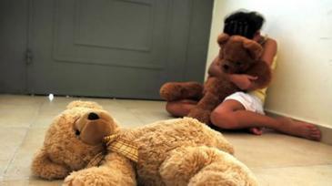 Un sucevean care si-a violat propria fiica timp de11 ani a fost arestat