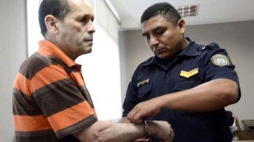 Un tata si-a violat fiica timp de 22 de ani. Cei doi au impreuna opt copii