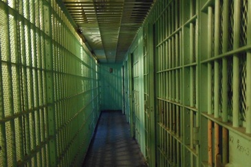 Un detinut declarat mort s-a trezit cu putin timp inainte de a fi supus autopsiei