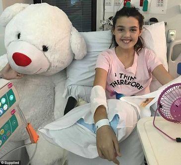 Toata lumea credea ca e gravida! Ce au descoperit medicii dupa ce au vazut ecografia unei fetite de 11 ani - Ce ii crestea de fapt in burta