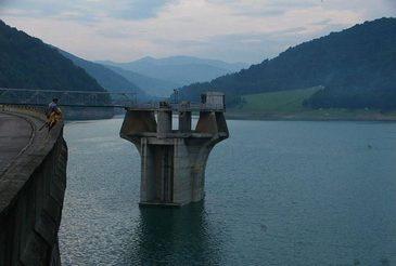 Sofer de TIR, gasit mort la barajul Noapes! Cand au vazut ce avea legat barbatul de picior, anchetatorii au incremenit