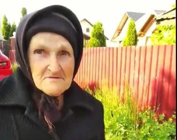 Cum traiesc batranii nostri! La 80 de ani, singura si bolnava, ea spune ca are nevoie... DE O VORBA BUNA