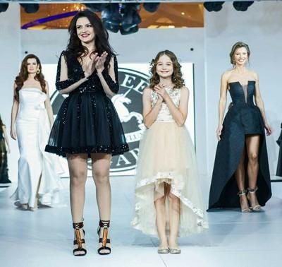Irina Columbeanu, manechin pentru Andreea Dogaru la Bucharest Fashion Week