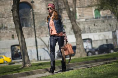 Street style: Care sunt tendintele acestei toamne! Vezi o tinuta geniala propusa la Mercedes-Benz Fashion Week