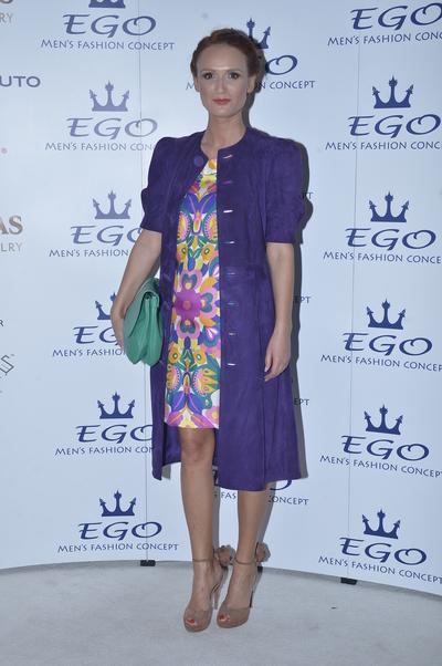 """Carmen Negoita mereu in ton cu moda: """"Se poarta parul impletit in toate felurile posibile si imposibile"""""""