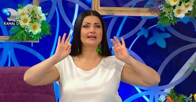 "Gabriela Cristea, impecabila intr-o rochie alba la ""Te vreau langa mine"""