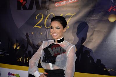 Adelina Pestritu a facut senzatie cu o bluza transparenta la Premiile Radar de Media! Toti au intors privirile dupa vedeta si i-au admirat sutienul din dantela FOTO