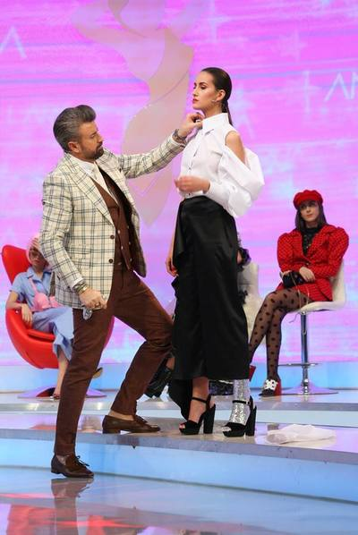"Andreea - tinuta modificata de Catalin Botezatu si Raluca Badulescu la ""Bravo, ai stil! All Stars"""