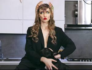 """Iulia Albu a spus ce crede despre Lora, dupa ce artista s-a pozat cu posteriorul la vedere! Ce o deranjeaza pe """"Domnita de Alba"""""""