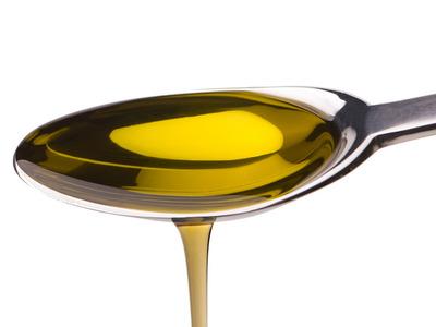 Uita de demachiant! Foloseste acest ulei eficient!