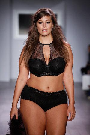 Esti o femeie cu forme si plinuta? Iata de ce trebuie sa te mandresti