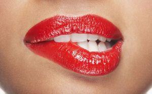 Solutia inovatoare si ieftina care te scapa rapid de tartrul de pe dinti si ii albeste in doua minute!