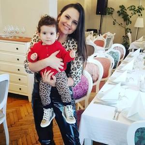 Cristina Siscanu a ramas cu pete pe fata dupa sarcina! Ce interventii vrea sa-si faca vedeta – Video Exclusiv