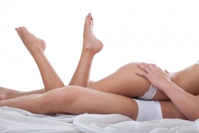 Pozitiile sexuale care favorizeaza atingerea orgasmului! Tu le-ai incercat?