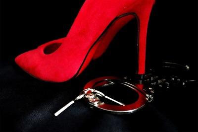 4 sfaturi daca vreti sa folositi jucarii sexuale in cuplu