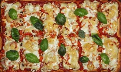 Pizza fara aluat - rapida si foarte gustoasa. Incearca reteta asta!
