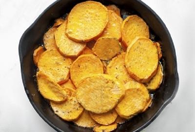 Deliciu de post! Cartofi dulci copti cu ghimbir si miere