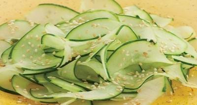Aceasta este salata care tine diabetul sub control! Uite cum se prepara!