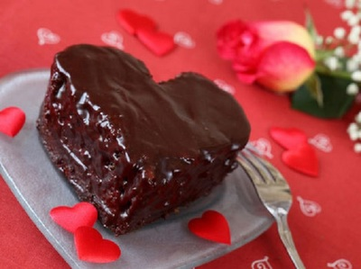 Reteta tort de Sf. Valentin: deliciu cu ciocolata si alune