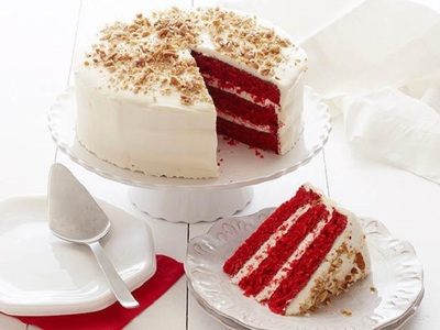 Deliciu regal: Tort Red Velvet