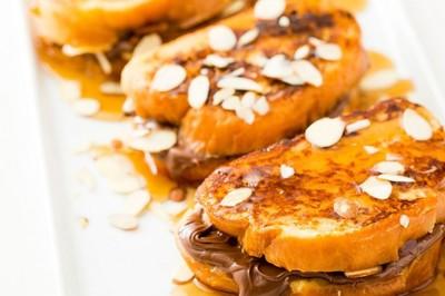 Reteta clasica reinterpretata: friganele de paine cu Nutella!