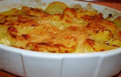 Cum sa faci cea mai simpla placinta de cartofi! Ai deja ingredientele in casa!