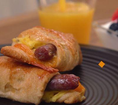 VIDEO! Cum sa faci cel mai gustos mic dejun cu oua si carnaciori!
