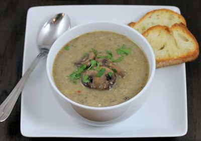 Incearca aceasta supa crema de ciuperci! Este de post si gustul de cucereste pe loc