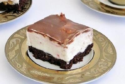 Prajitura cu glazura de ciocolata! Ieftina si delicioasa