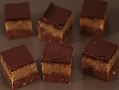 Cuburi din biscuiti si nuca! Un desert delicios si foarte simplu