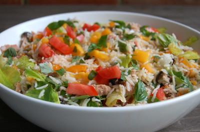 Delicios! Asa faci cea mai simpla salata de orez!