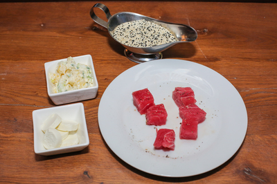 Salata de cartofi cu peste  - reteta simpla pentru masa de pranz!